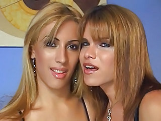 Videos van trannysex.mobi
