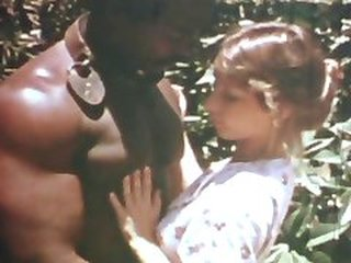 Video no nudevintage.com