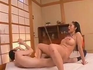 Videos from japanese-mom-porn.com