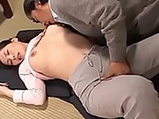 Videos from japanesemomsex.com