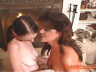 Videos from lesbiansex.best