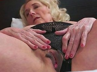 Video dari fuckmomxxx.com