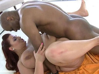 Відео з mature-mom.tube