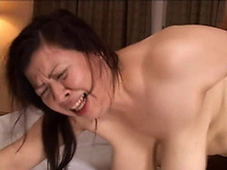 Video từ maturewomenyoung.com