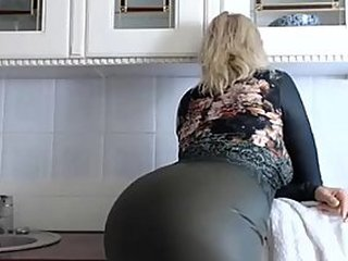 Videos from xmom.me