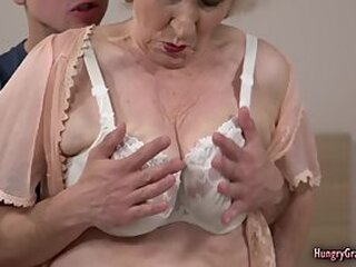 Video no granny-porn.pro