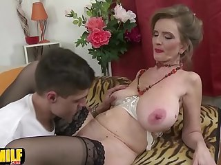 Videos from grannyxvideos.com