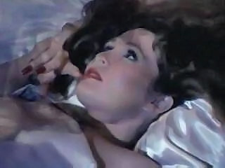 Mga video mula okvintageporn.com