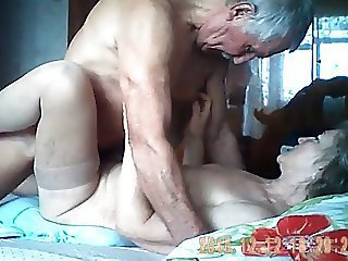 Video z  oldwomanporn.net