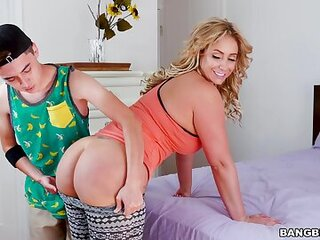 Videos from maturefreesex.com