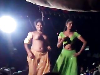 Shameless Indian amateurs accidentally exposing their natural boobs