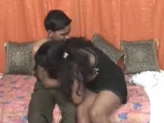 Fantastic amateur video with a genuinely good looking Indian couple
