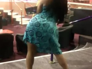 Upskirt style XXX vido focusing on a twerking Tamil babe with a big butt