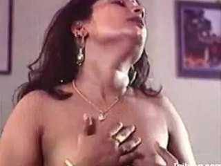 Professional xxnx deshi Indian porn with a truly sensual and hot actress