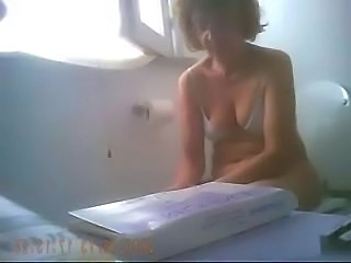 Hidden cam. Super video of my mature mom in toilet