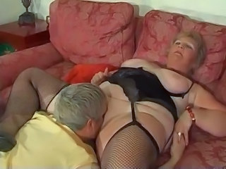 Blonde Shorthair BBW Granny by young Guy