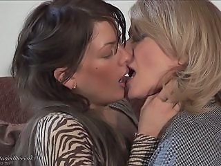 Lesbian Nina Hartley and Mia Presley