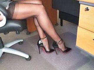 Gorgeous slutty cum fuck me heels!