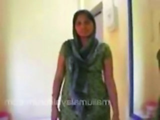 housewife in salwar removing and geting naked in bed ...