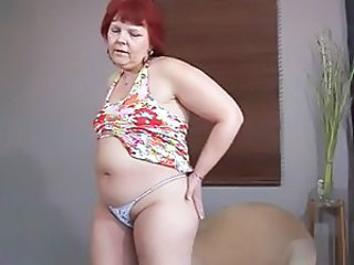 Lady Shows All 25