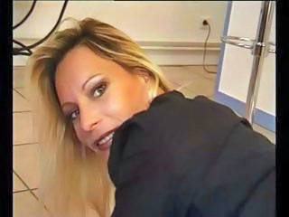 Mature blonde housewife has s...