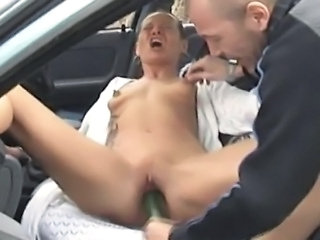 A nasty mature amateur wife homemade suck and fuck in her car with her...