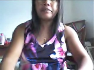 "FILIPINA GIRL LYNN ZABALA SHOWING HER BOOBS ON CAM!"" class=""th mov"