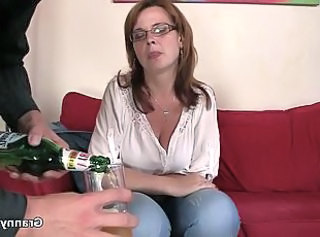 Boozed mature bitch is picked up for play  : grannies matures old+young