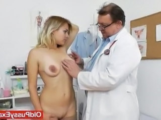 Karen the fucking hot milf checks out whereby the Physician checks her shaved...