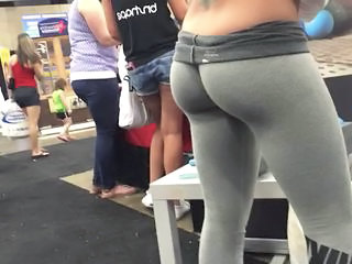 Tight ass in leggings