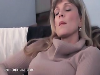 Blonde mature pleasing twat in close up