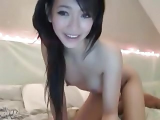 Hot Asian Girl Shows Pussy on Cam