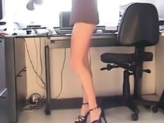 Office Babe In Heels Does An Upskirt