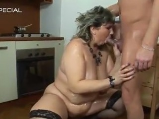 Mature bonking giant Sensuous Momma has Her anal got laid During fuzz box...