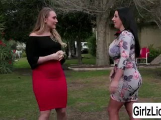 AJ Applegate tour Angela White in the house and have some fun in the bedroo