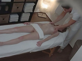 Dumpy peppery haired ungentlemanly gets her kitty invaded hard in massage parlor