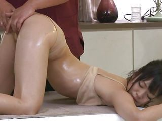 Its really appealing to see such a beautiful babe taking massage in front of the eyes. Her sexy and attractive body will definitely make your dick. The same is going with this guy and after giving a nice fingering and pussy rubbing he is pushing his big d