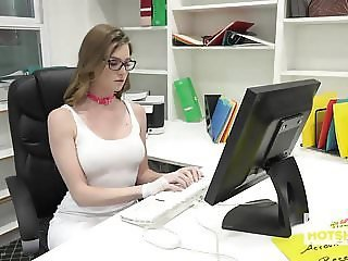 Gorgeous Office Whore Gets Destroyed By Random Guy Off the I