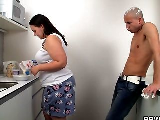 Fuckfest With Big Booty Bbw On The Kitchen