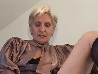 Viviana hairy mature granny in kitchen